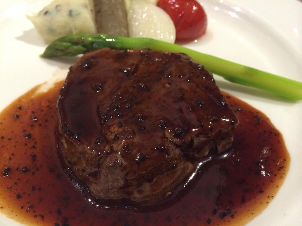 結婚式のお料理のお肉です!おいしかったです!