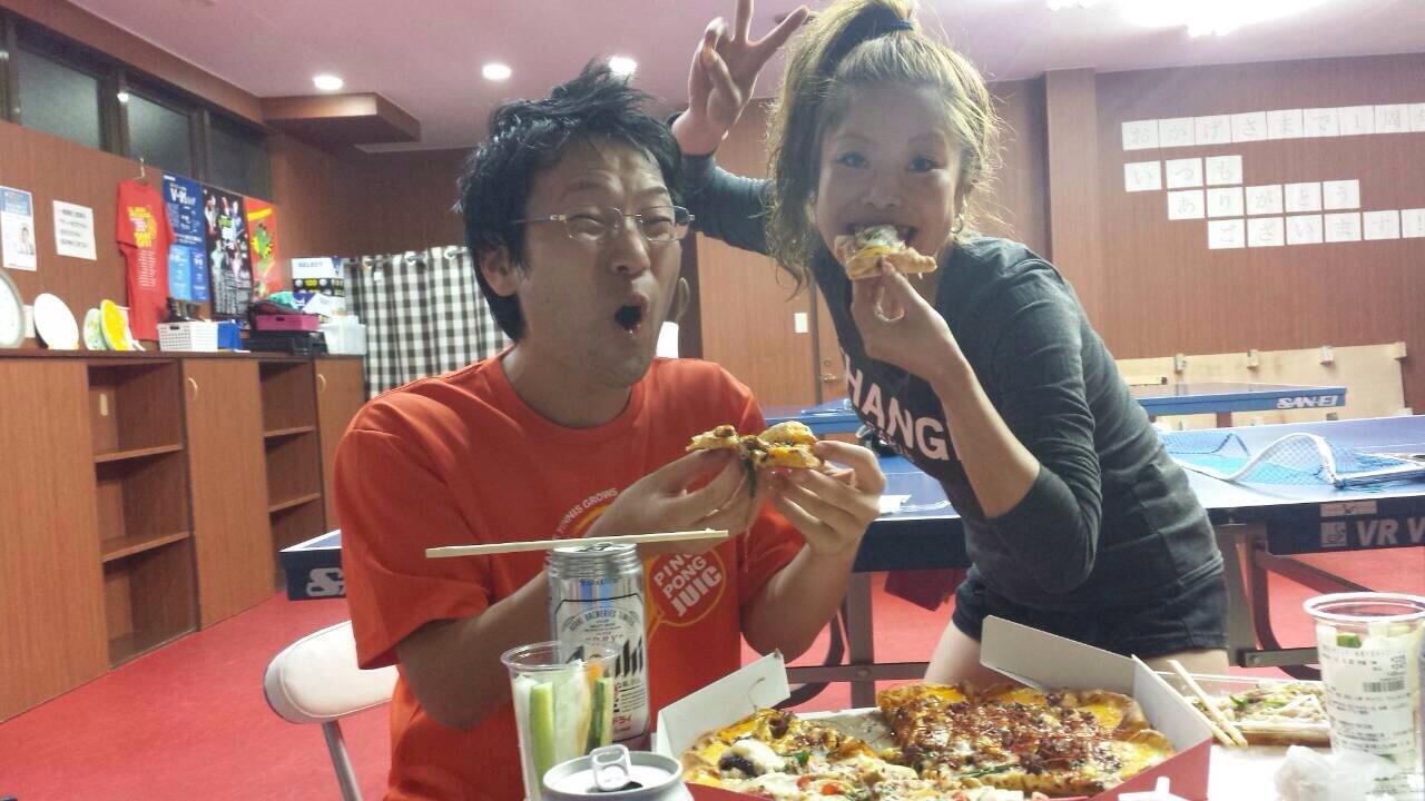 やっぱりピザはおいしいですね!!ビールに合います\(^o^)/