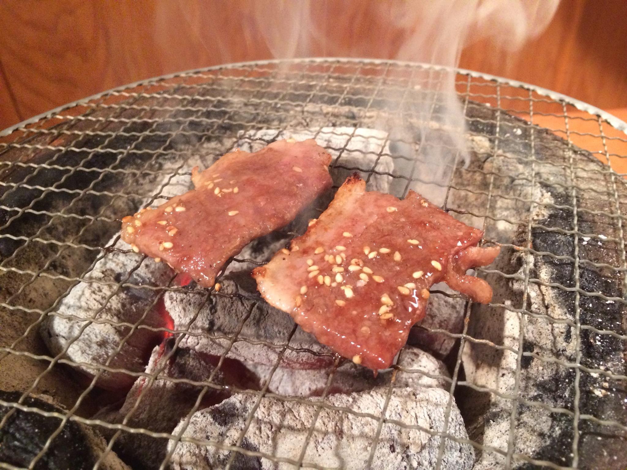 特選カルビ!煙がいい感じです!!ヽ(^o^)丿