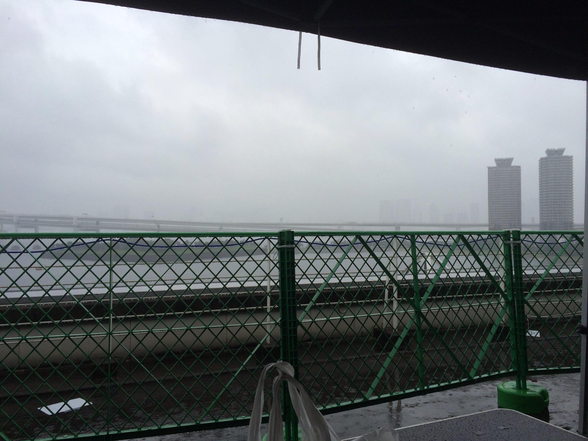 うーん!雨模様!!!台風前日!肌寒い!!!