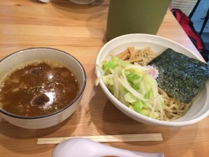 煮干し らーめん てのごい屋生田店の黒つけ麺ヽ(^o^)丿