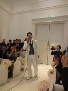松山千春の大空と大地の中でを熱唱して登場しました!笑