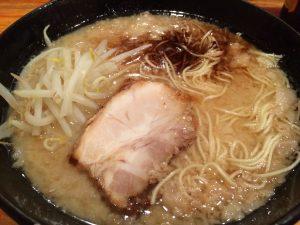 生田駅南口でて右のとんこつラーメン!おいしいです!