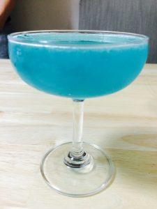 すっごくきれいなブルーです(*^_^*)