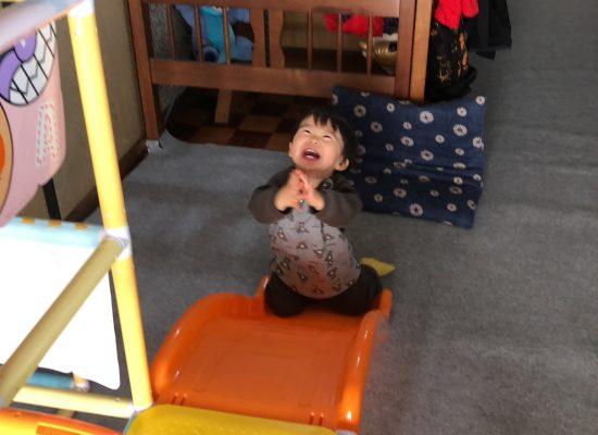 アンパンマンのすべり台で喜ぶ息子!
