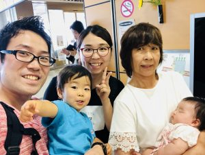 弘前駅で最後にみんなで集合写真!この後、奏大は号泣でした!泣